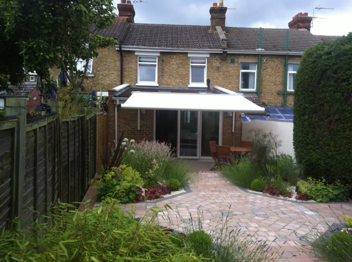 PATIO AWNING FITTED TO TERRACED HOUSE